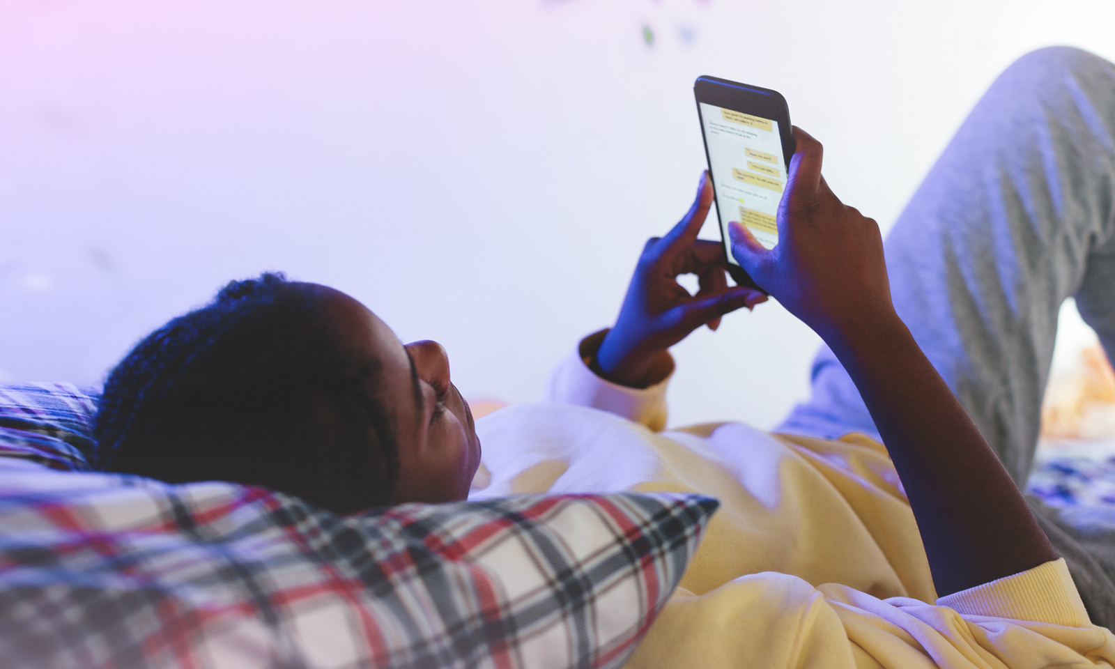 Le savoir-vivre en ligne, en avez-vous parlé franchement avec votre ado?
