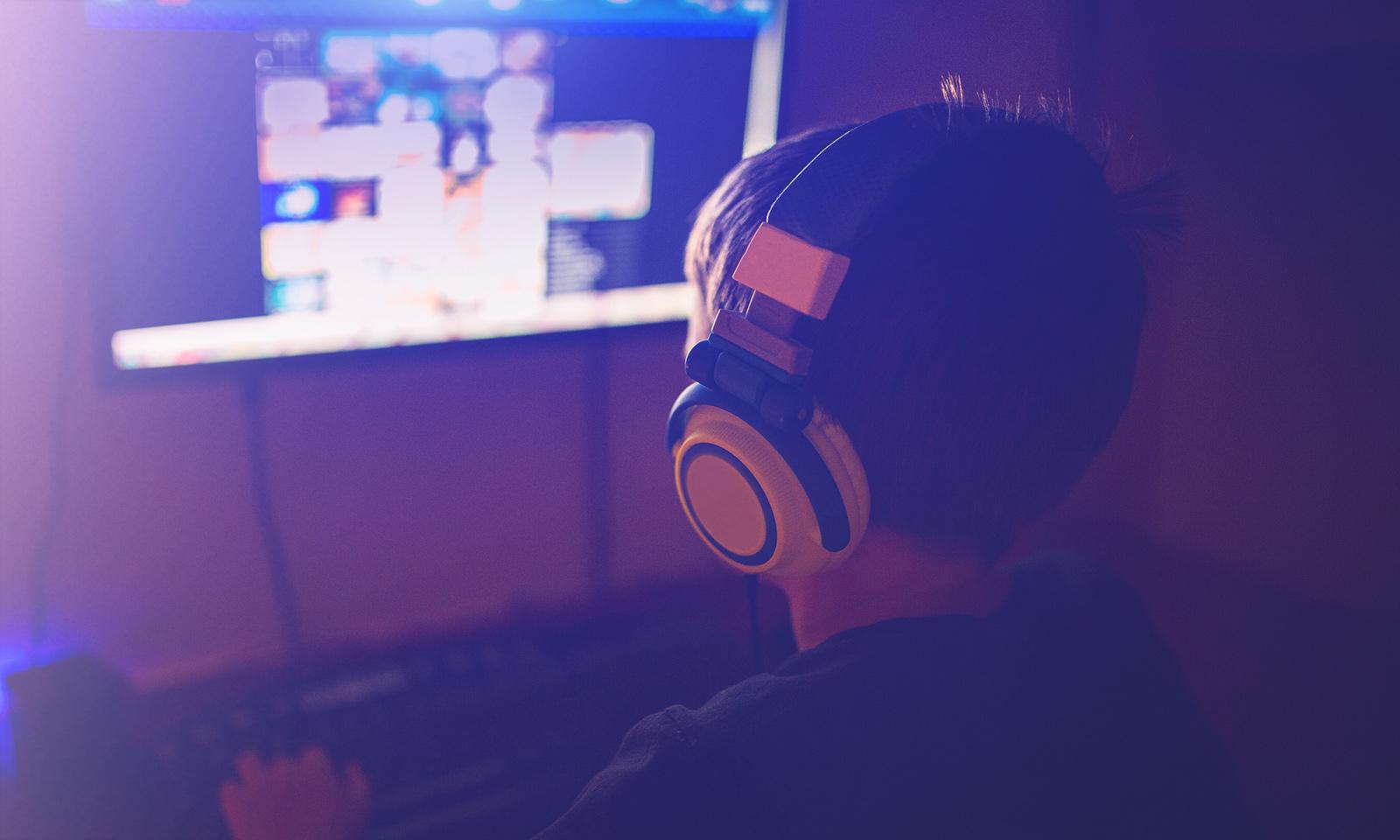 Jeux vidéo: est-ce que mon ado joue trop?